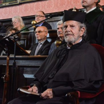 Tad Taube was conferred the honorary doctorate of the Jagiellonian University