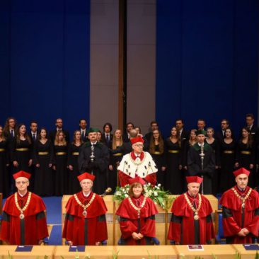 Simultaneous interpreting in English during the inauguration of the academic year at the Jagiellonian University